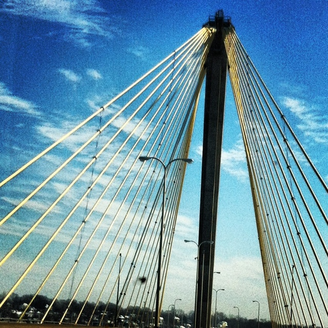 Alton bridge crossing into illinois from st louis
