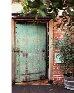adriane-door