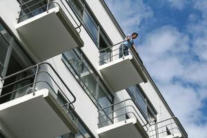 3019166-slide-07bhdprellerhaus20090828bd2415
