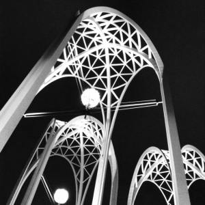 arches blk and white