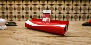 Coca-Cola-Print-Ad-Becomes-An-iPhone-Speaker-990x500