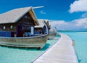 boat hotel cocoa island maldives