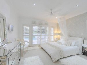 white-home-queensland-australia10_the-beautifullist