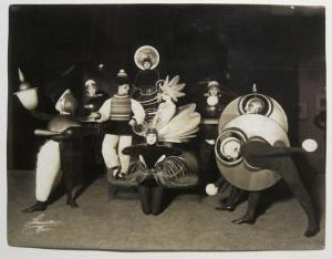 bauhaus-costumes-1