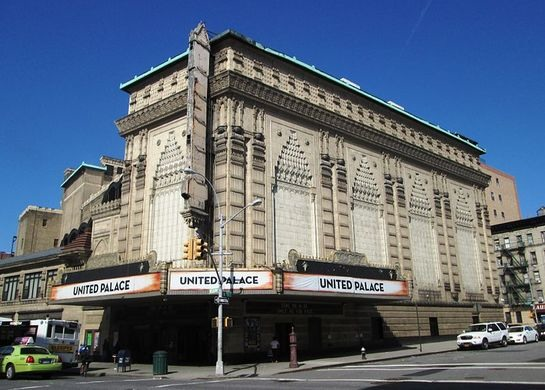 2014_United_Palace_from_corner