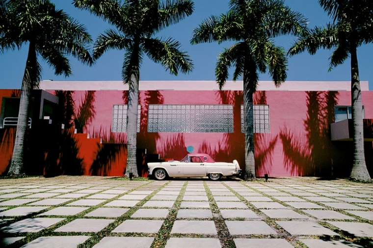 4-Laurinda-Spear-Bernardo-Fort-Brescia-Arquitectonica-The-Pink-House-Miami-Shores-1976-79-Photography-by-Eric-Meola