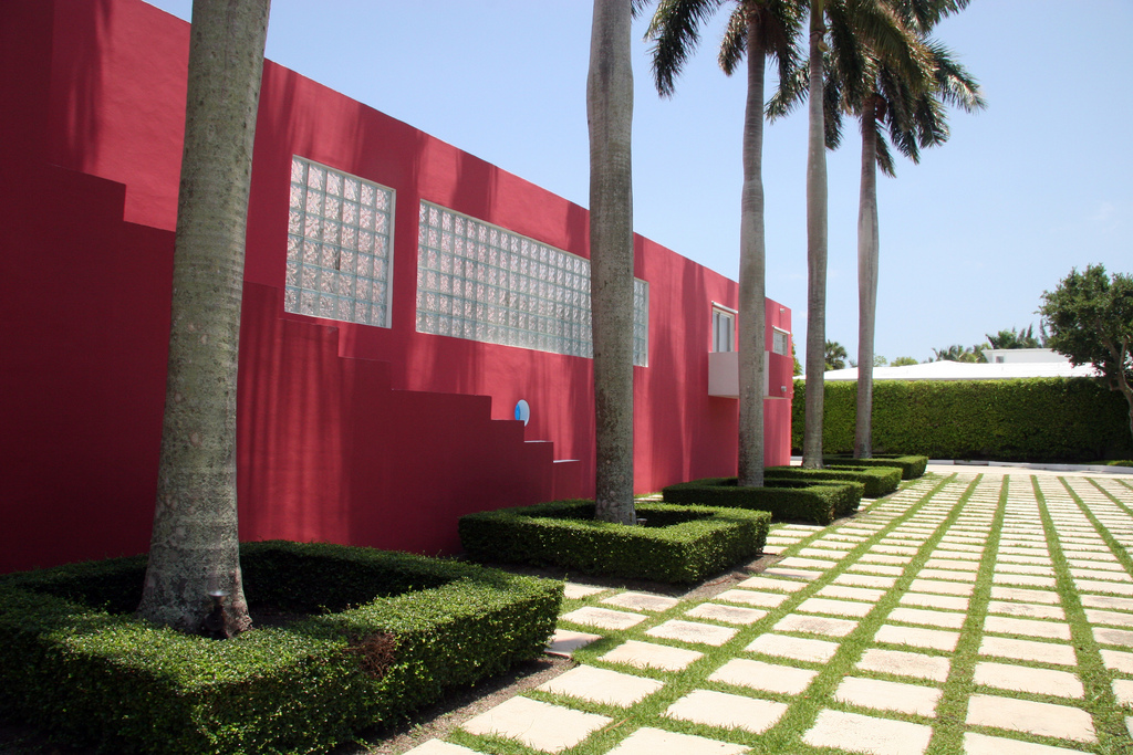 pink jhouse ext 3.jpg