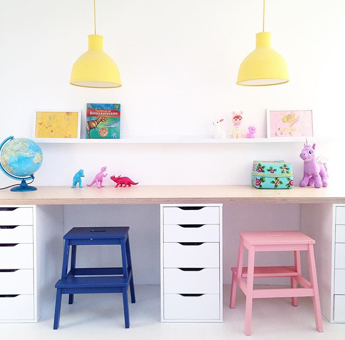 COLOURFUL-STOOLS-IN-PLAYROOM-BY-SAARKELOVES.jpeg