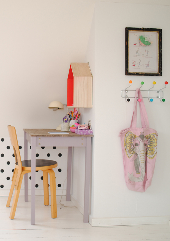 VINTAGE-DESK-WITH-HOUSE-SHELF-AND-DOTTY-WALL-FROM-PINTEREST