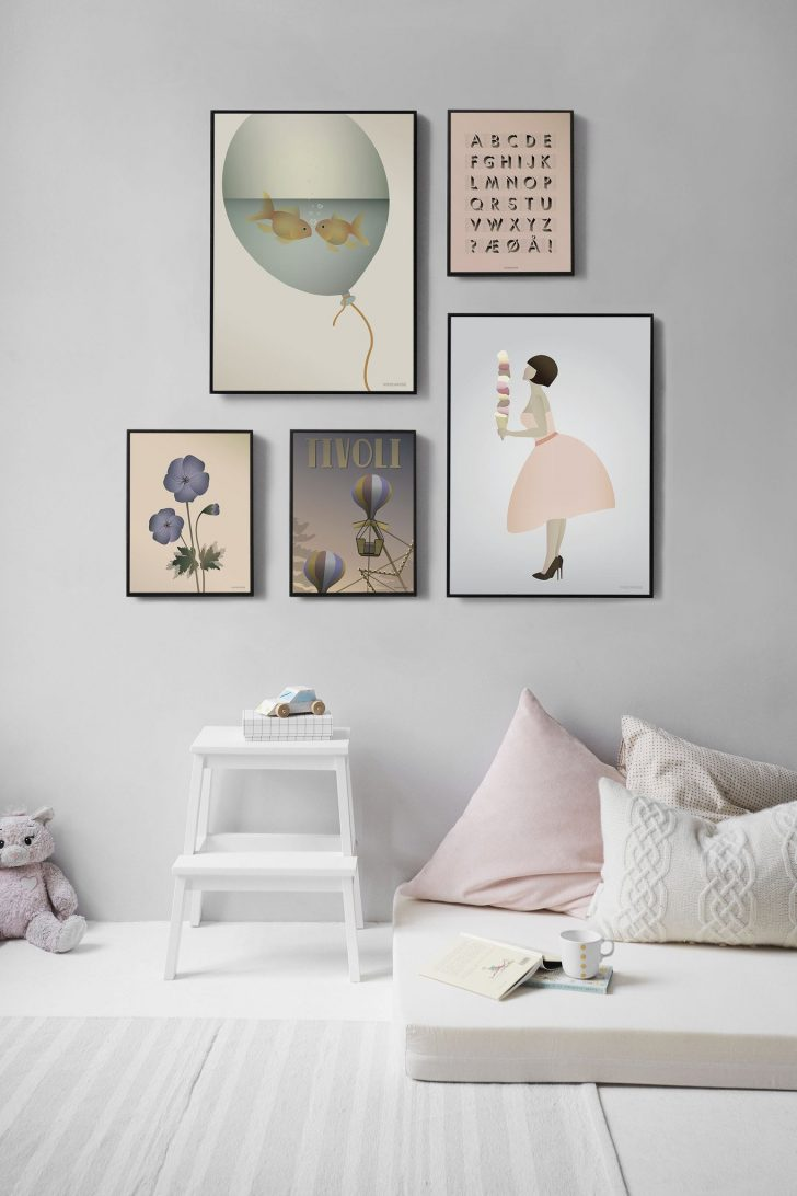 gallery-wall-kids-room-2