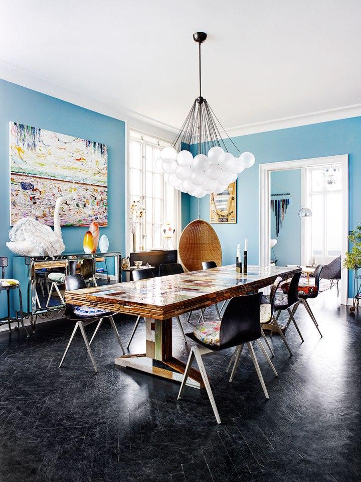 blue-walls-and-black-herringbone-floors