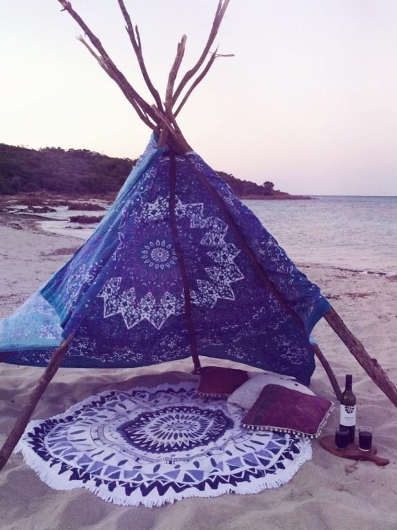 -deco-lifestyle-tipi-sur-la-plage-2.jpg