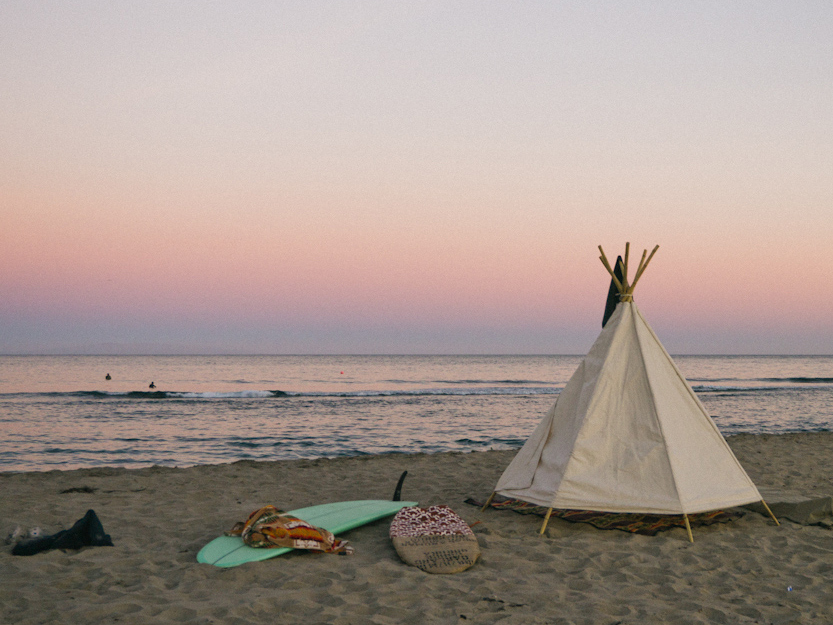 lifestyle-tipi-sur-la-plage-2.jpg